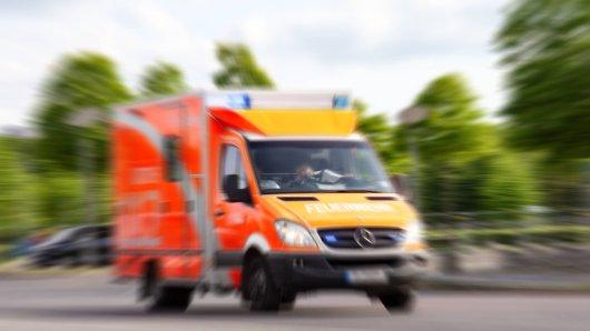 Nach dem Unfall im Landkreis Peine kam der Mann ins Krankenhaus (Symbolfoto).