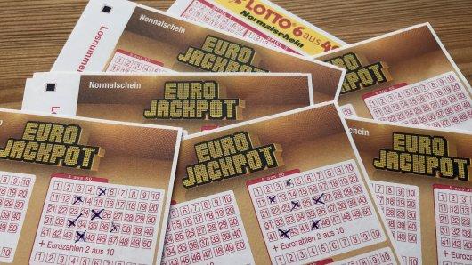 Vor 17 Jahren knackte Michael Carroll den 10-Millionen-Lotto-Jackpot. Wie er heute lebt, kann man sich kaum vorstellen. (Symbolbild)