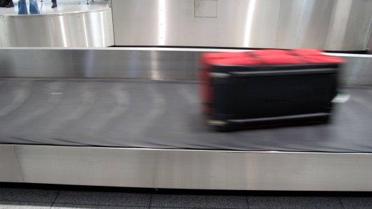 Eine junge Chinesin reiste nach München - und sorgte mit ihrem Koffer für Aufsehen.