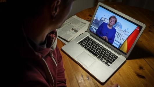Bundeskanzlerin Merkel hält eine historische Ansprache. Die Reaktionen sind eindeutig.