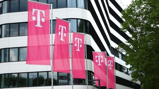 Deutsche Telekom: Eine Kundin kann nicht glauben, was sie sieht. (Symbolbild)