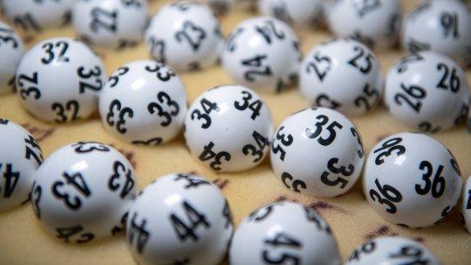 Eine Frau aus Kanada hat umgerechnet 40 Millionen Euro im Lotto gewonnen. (Symbolbild)