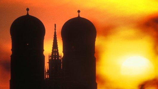 Saharastaub sorgt für atemberaubende Aufnahmen aus München.