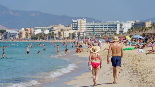 Urlaub auf Mallorca: Die Einheimischen ärgern sich über das Tindern der Urlauber. (Symbolbild)