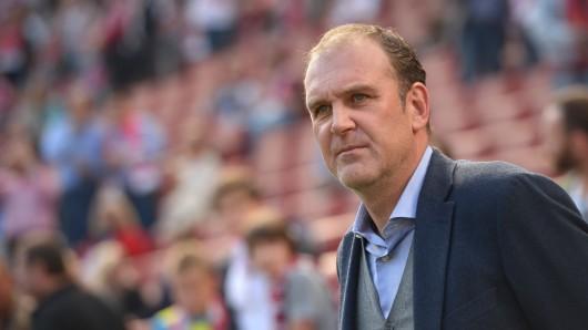 Manager Jörg Schmadtke ist auf dem Weg nach Wolfsburg (Archivbild).