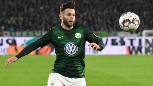Wolfsburgs Renato Steffen ist am Ball.