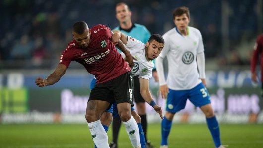 Im Duell gegen Hannover 96 patzen die Wölfe.