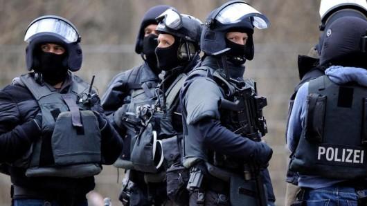Das SEK hat in Hannover einen mutmaßlichen Vergewaltiger überwältigt und festgenommen (Symbolbild).