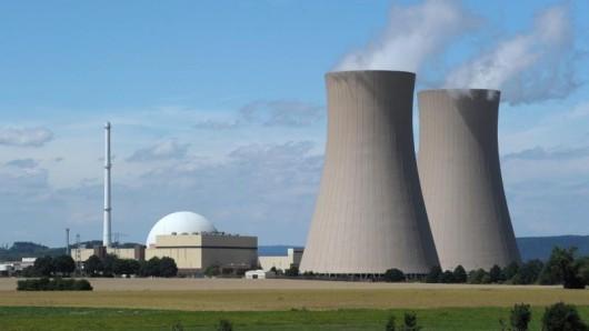 Blick auf das Atomkraftwerk Grohnde