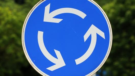 Künftig soll ein Kreisel den Verkehr auf der B188 regeln (Symbolbild).