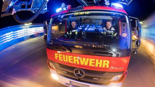 Die Feuerwehr musste nur noch Lüften, das Feuer war bereits ausgegangen (Symbolbild).
