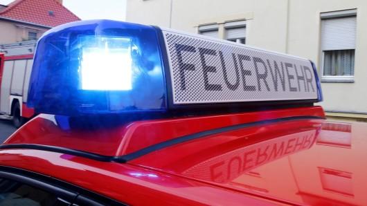 Aus noch ungeklärter Ursache geriet am Sonntagvormittag ein lederner Hocker auf dem Balkon einer Mietwohnung in einem Wohnblock im Stadtteil Laagberg in Brand. (Symbolbild)