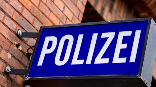Ein zwölfjähriges Mädchen meldete bei der Polizei einen Unfall (Symbolbild).