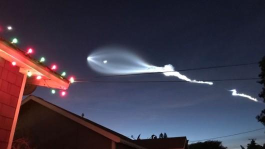 Die Rakete hatte zehn Kommunikationssatelliten des Telekommunikationsunternehmens Iridium an Bord.