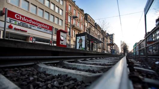 Die Straßenbahnhaltestelle am Chlodwigplatz in Köln. Hier kam es zu der unfassbaren Tat.