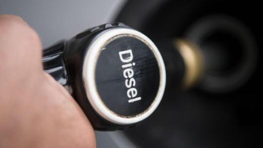 Ganz von den Straßen verschwinden wird der Dieselmotor aber nicht. (Symbolbild)