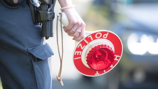 Die Polizei Wolfsburg stoppte den Betrunkenen an einer Tankstelle in Vorsfelde (Symbolbild).