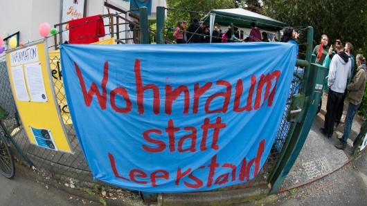 Aktivisten der Initiative Our House Nansen 1 hatten aus Protest ein leerstehendes Wohnheim in Göttingenbesetzt.