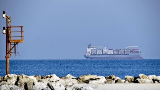 Ein Containerschiff hat in der Nordsee gleich 270 Container verloren. (Symbolbild)