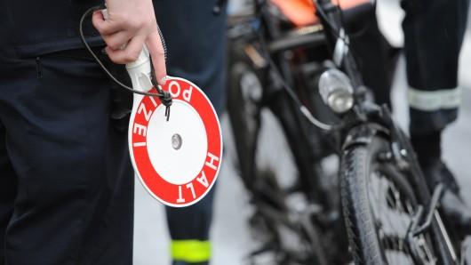 Die Polizei hat am Mittwochvormittag Radfahrer am St. Leonhards-Garten überprüft (Symbolbild).