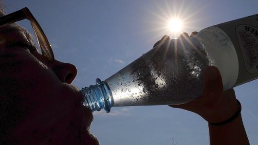 Wie Mama schon immer sagt: Viel trinken! gehört auf jeden Fall dazu, um in der Hitze ausreichend hydriert zu sein