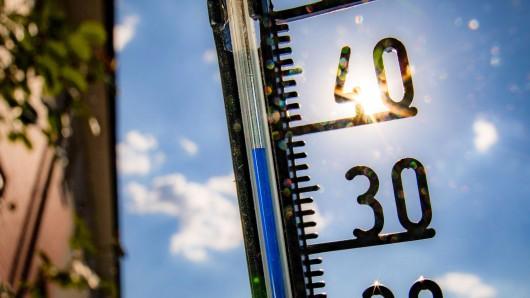 Die Hitze kommt zum Wochenstart zurück (Symbolbild).