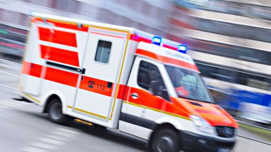 Die 16-jährige Schülerin wurde leicht am Bein verletzt (Symbolbild).