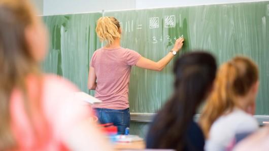 Schulleiter wollen Quereinsteiger besser gefördert wissen. (Symbolbild)