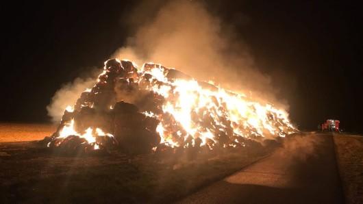 Eine Flammenwand schlug der Feuerwehr entgegen.