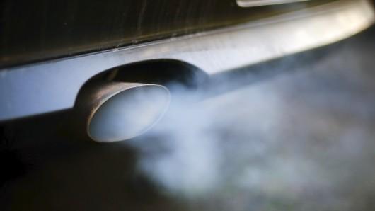 Eine Verhandlung zu einer illegalen Abschalteinrichtung in einem Diesel-Auto ist am BGH in Karlsruhe abgesagt worden. (Symbolfoto)