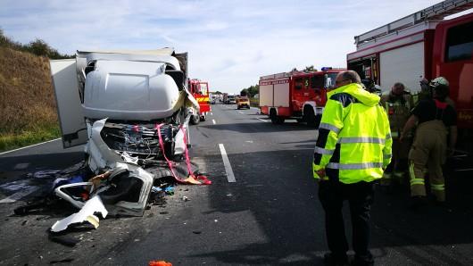 Der Lkw-Fahrer kam ums Leben.