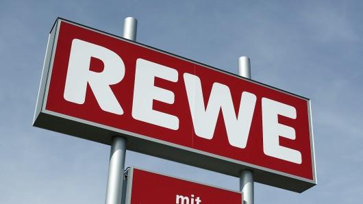 Zwischen Rewe und der Harzer Brunnen GmbH gibt es Streit. Mit Folgen...