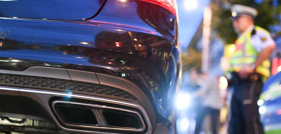 Bis zu 400 Autos waren am Samstagabend dabei (Symbolbild).