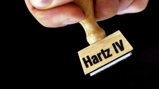 """""""Hartz 4""""-Empfänger: Jobcenter führt unangekündigt krasse Kontrollen durch."""