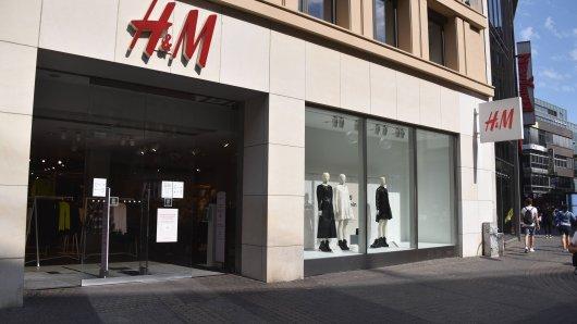 H&M: Das Modeunternehmen wird eine neue Sonderedition herausbringen, die bei den Kunden allerdings nicht auf Begeisterung stößt. (Symbolbild)