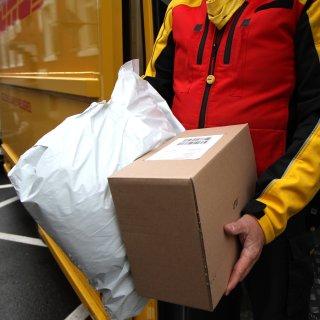 Wieso riecht das Paket so komisch?