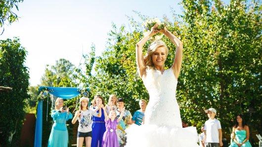 Hochzeit: Ein Brautvater hat sich für seine Tochter eine ganz besondere Überraschung parat. (Symbolbild)
