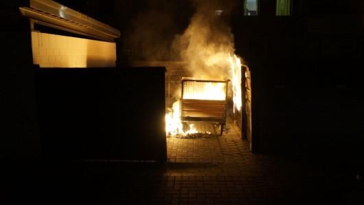 Ein Container hatte in der Nacht Feuer gefangen (Archivbild).