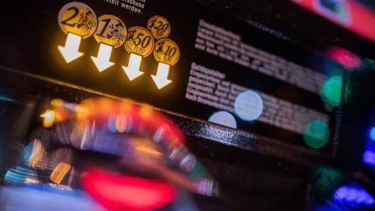 In Braunschweig wurden zwei Spielautomaten aufgebrochen (Symbolbild).