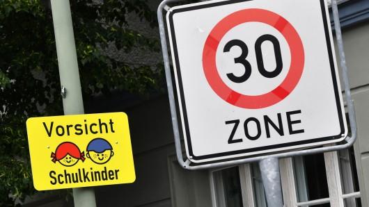 Unter anderem sollen die Schüler der Henriette-Breymann-Gesamtschule geschützt werden (Symbolbild).