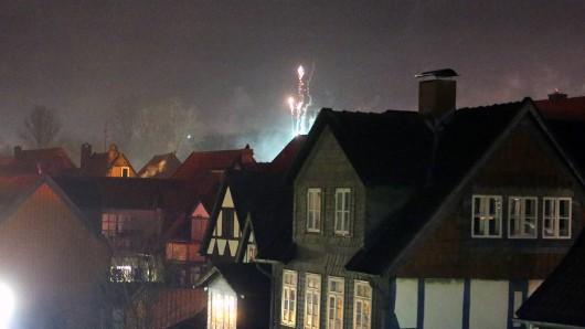 Silvesterfeuerwerk in Wolfenbüttel - die Fachwerkhäuser sind in der Neujahsrnacht besonders gefährdet (Archivbild).