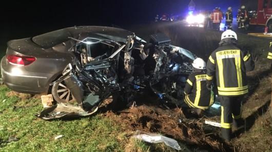 Am Donnerstagabend wurden die Feuerwehren der Samtgemeinde Baddeckenstedt zu einem schweren Verkehrsunfall auf die K81 zwischen Steinlah in Richtung Haverlah alarmiert. Das