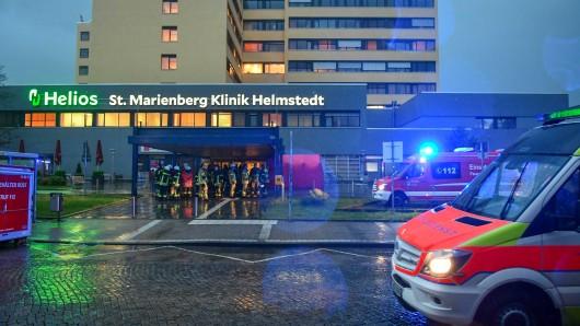 Nach einem Wasserschaden stürzte im Krankenhaus in Helmstedt die Decke des Kreißsaals ein, der Strom fiel aus.