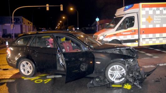 Allein in diesem BMW wurden fünf Menschen verletzt.