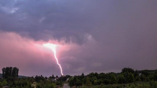 Unwetter-Warnung für die News38-Region! Starkregen und Gewitter bestimmen das Wochenende.