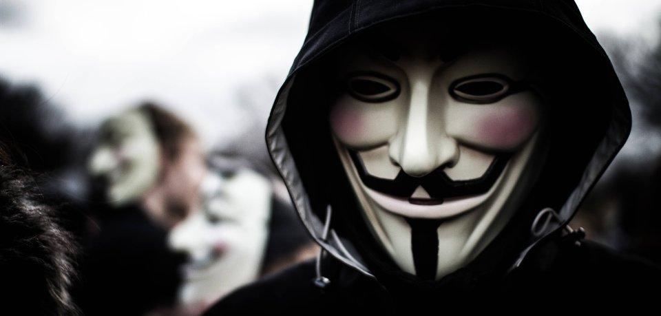 So eine Maske soll der Unbekannte in Wolfenbüttel getragen haben. (Symbolbild)