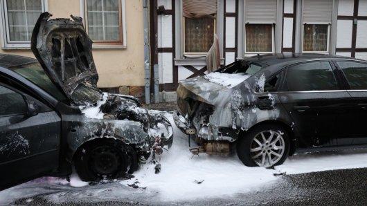 In Wolfenbüttel brannten am Montagmorgen zwei Autos.
