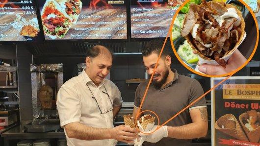 Döner in der Waffel? Restaurantleiter Suer Tekin und Mitarbeiter Khalil Saleh haben es ausprobiert.