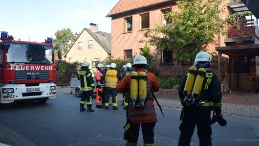 Im Landkreis Wolfenbüttel hat die Feuerwehr nach zwei Kindern gesucht. Sie sollten sich noch in einer Brandwohnung.