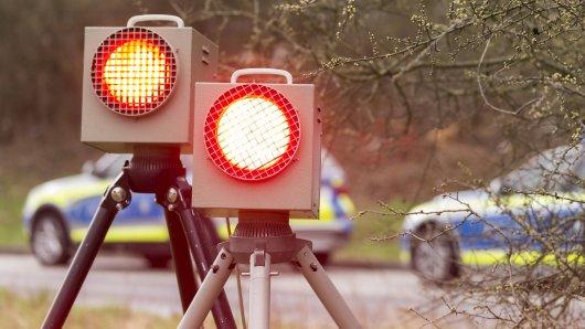 Die Polizei hat Geschwindigkeitsmessungen vor einer Schule in Wolfenbüttel durchgeführt. Erschreckend, wie schnell ein Autofahrer unterwegs war. (Symbolbild)